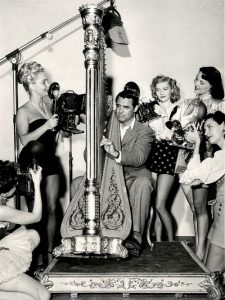 Cary Grant proves the harp attracts the opposite sex
